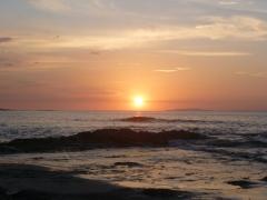 sunset punta leona